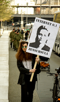 Photo: Azundris on demo; original picture by noroute; CC by-nc-sa